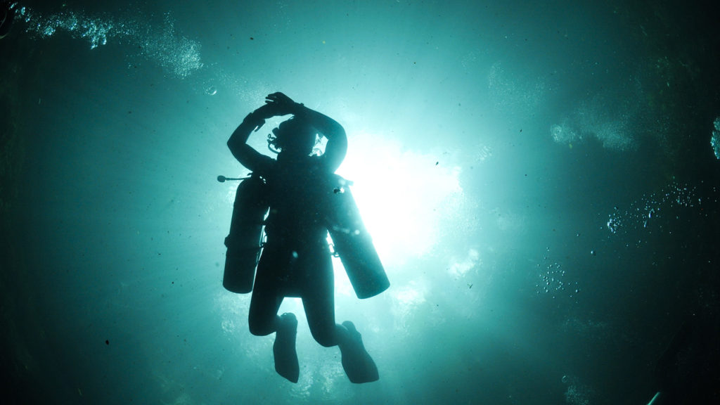 Sidemount Diver cenote